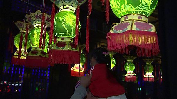 Κίνα: Χαρακτική πάνω σε καρπούζια!