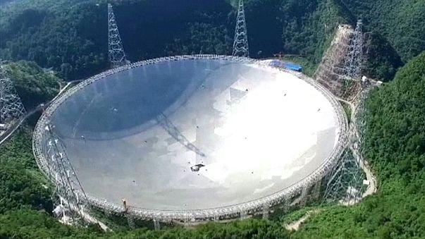 China pone en marcha el mayor radiotelescopio del mundo