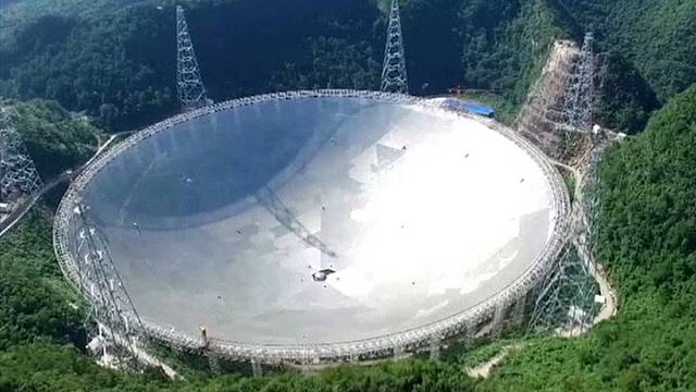 China pone en marcha el mayor radiotelescopio del mundo