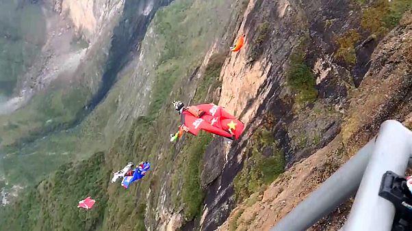 Os voadores 'wingsuit' mais rápidos do mundo