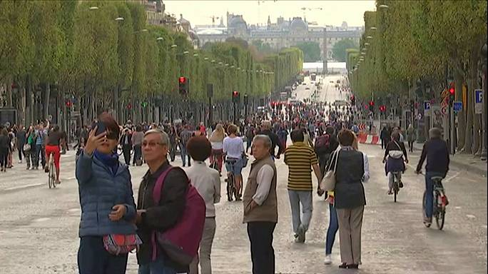 Paris holds second 'car-free day' against pollution