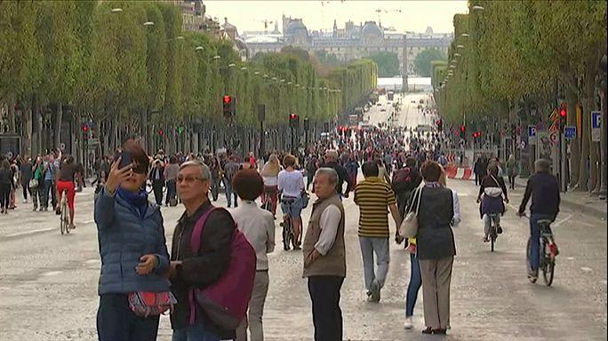 Paris expulsa carros do centro da cidade