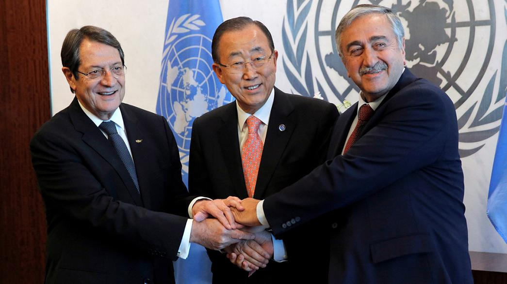 """Les deux dirigeants chypriotes veulent """"intensifier leurs négociations"""""""