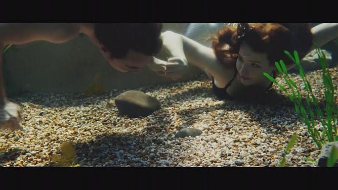 A skót kagylóban igazgyöngy lapul - Talulah Riley romantikus komédiája