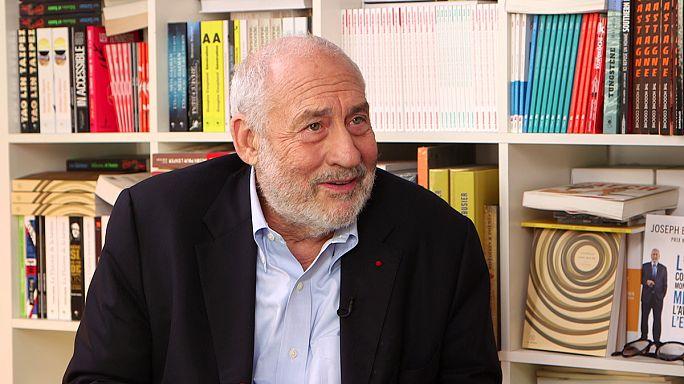 """Il Nobel per l'economia Stiglitz: """"L'austerità non serve a nulla, è solo un danno per l'UE"""""""
