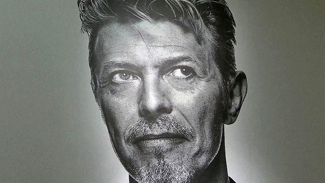 Bowie; hem sanatçı hem koleksiyoner