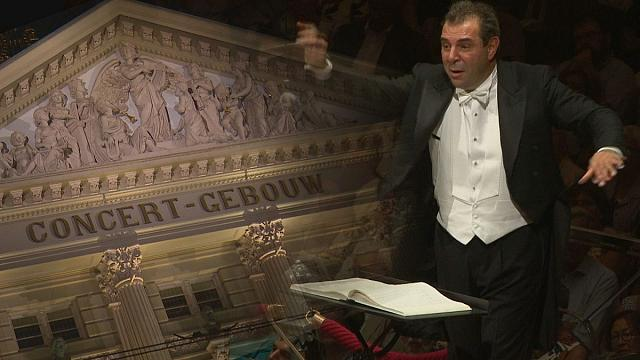 اجرای سمفونی شماره دو گوستاو مالر در تالار کنسرت آمستردام