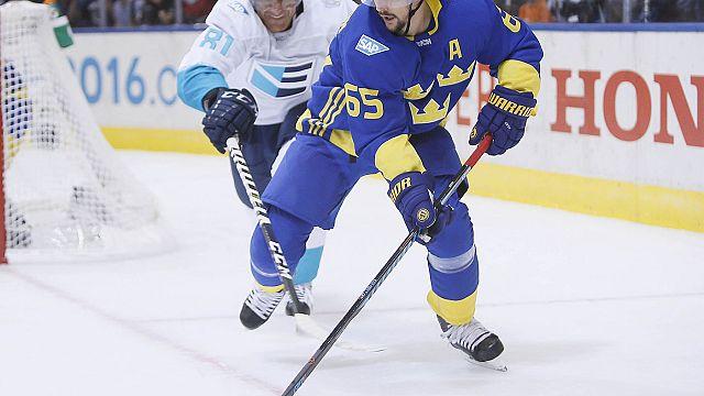 الفريق الأوروبي يلحق بكندا إلى نهائي بطولة العالم لهوكي الجليد