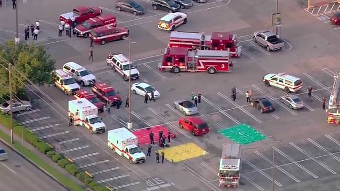 Al menos nueve heridos en un tiroteo en un centro comercial en Houston