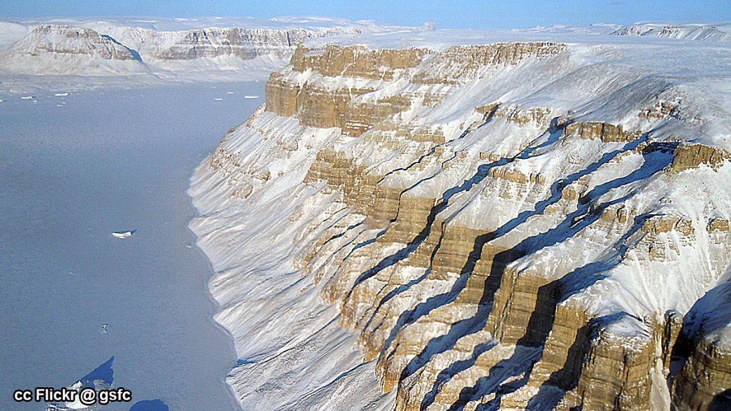 Une base secrète américaine sort de la glace du Groenland