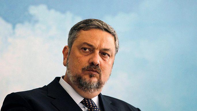 Brezilya'da eski Ekonomi Bakanı rüşvetten gözaltına alındı
