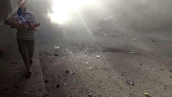 تواصل الغارات الجوية على حلب وموسكو وواشنطن تتبادلان الاتهامات