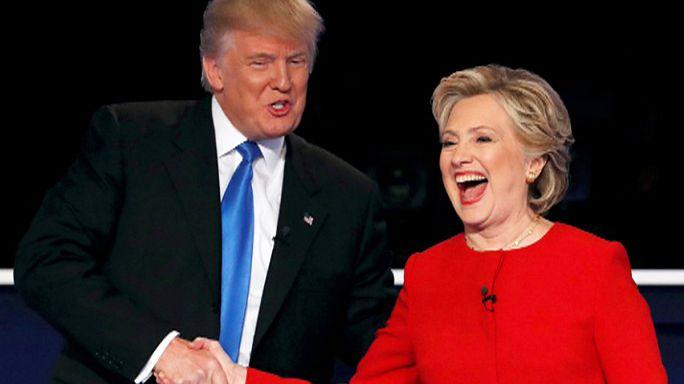 سجال وتبادل للاتهامات بين كلينتون وترامب في اول مناظرة تجمعهما