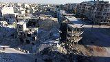 Esad güçleri Halep'te muhaliflere bomba yağdırıyor