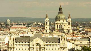 Macaristan turist sayısının artmasını güvenlik politikasına bağlıyor