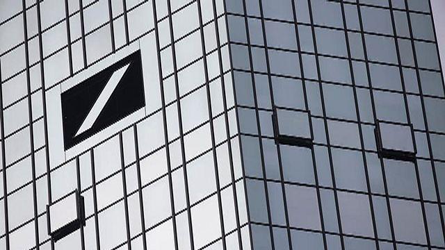 Almanya'da Deutsche Bank eriyor, Merkel'den yardım işareti gelmedi