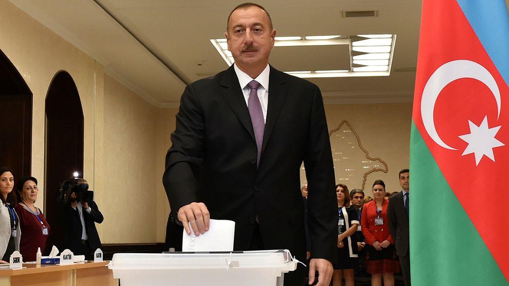 Ilham Alíev refuerza con un referéndum sus poderes como presidente de Azerbaiyán