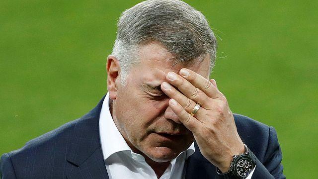 Сэм Эллардайс ушел с поста главного тренера сборной Англии
