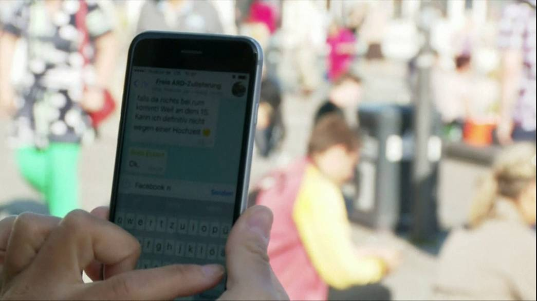 Facebook: Datenabgleich mit WhatsApp verboten