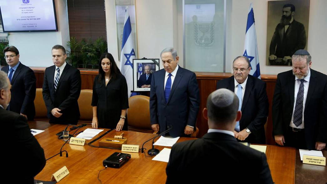 Israeli cabinet holds minute's silence for Peres