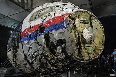 Missile used to shoot down MH17 airliner over Ukraine was brought in from Russia and fired from rebel-held territory, report finds
