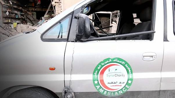 Suriye'de savaş uçakları bir hastane ve bir fırını bombaladı