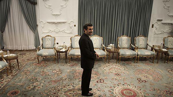 همراه با یورونیوز؛ رقابتهای انتخاباتی ۹۶ بدون محمود احمدینژاد چگونه خواهد بود؟