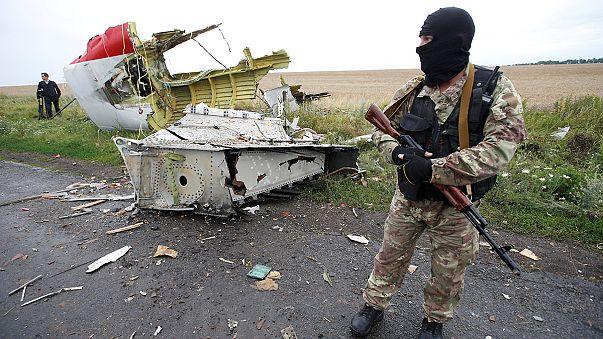 لجنة تحقيق تقول إن صاروخا روسيا اسقط الطائرة الماليزية شرق اوكرانيا وموسكو تصف التحقيق بالمنحاز