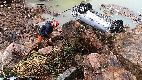 Taifun Megi sorgt für Hochwasser und Erdrutsche in China