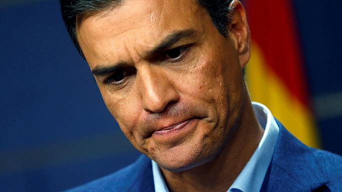Spain's socialists in crisis as party executive revolts against leader