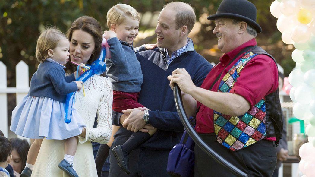 Princesa Charlote profere primeira palavra em público