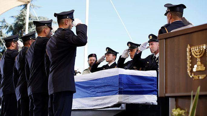 Şimon Peres dünya liderlerinin katıldığı resmi törenle Kudüs'te defnedildi