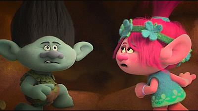 TROLLS, colorata commedia musicale