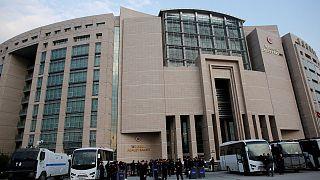 تركيا: مذكرات اعتقال بحق العشرات من العاملين في القطاع القضائي