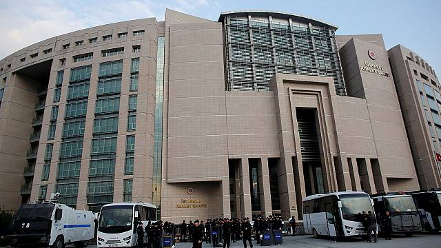 Turkey raids courthouses and jails in post-coup purge