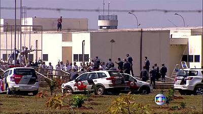 Hundreds still at large following Brazil jail-break
