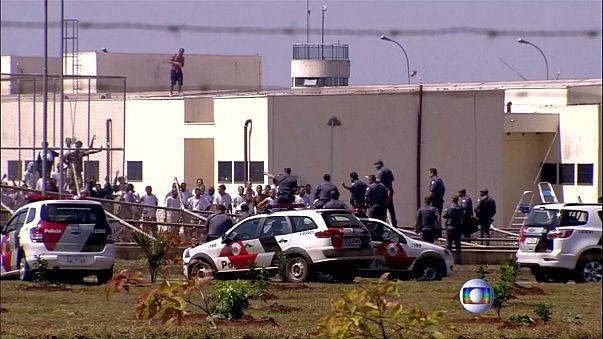 Detenidos 300 de los 500 presos fugados en Brasil