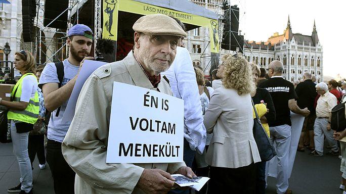 أوربان يحث المجريين على رفض استقبال اللاجئين في استفتاء الأحد