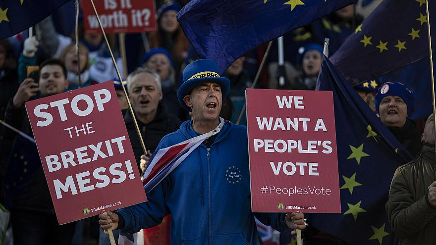 Image: Brexit protesters continue to demonstrate outside the Houses of Parl