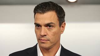 ضغوط على زعيم الحزب الاشتراكي الاسباني ومساع نحو تشكيل حكومة في البلاد