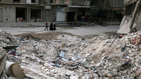درگیری های خیابانی در حلب و کشته شدن ۱۵ نفر بر اثر حملات هوایی