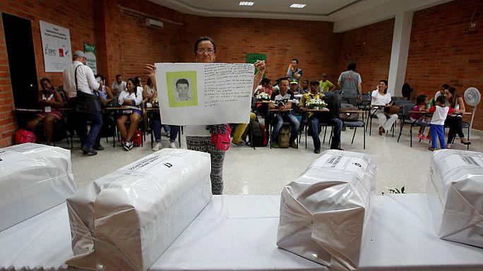 A lázadók bocsánatot kértek a kolumbiai népszavazás előtt