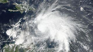 إعصار ماثيو يزداد قوة ويصنف في الفئة الخامسة