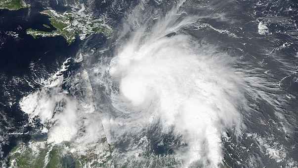 Matthew, ouragan de catégorie 5, arrive sur les Caraïbes