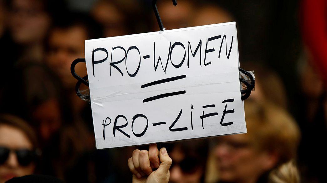 Polonia, in piazza per il diritto all'aborto