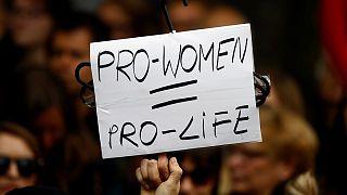 """Polónia/Aborto: Manifestantes dizem não ao """"fanatismo"""""""