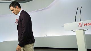 Sanchez abandona liderança do PSOE e abre espaço a novo governo Rajoy
