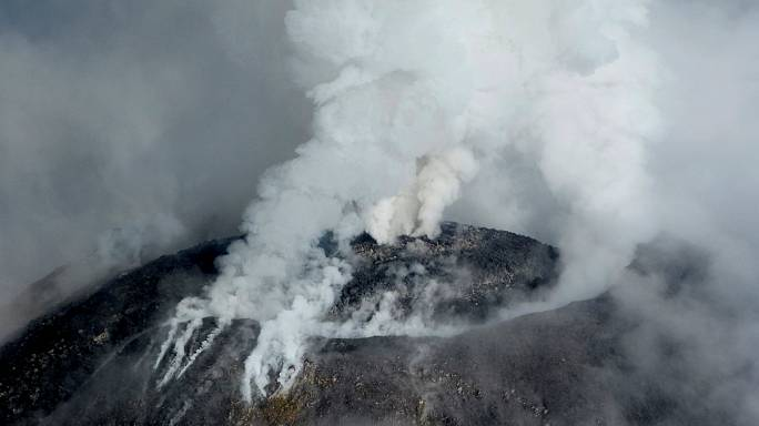 Mexique: évacuation suite à l'éruption du volcan Colima