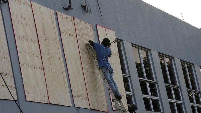 """Ямайка готовится к урагану """"Мэтью"""""""
