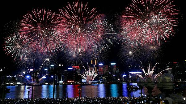 Fuegos artificiales en Hong Kong en el Día Nacional de China